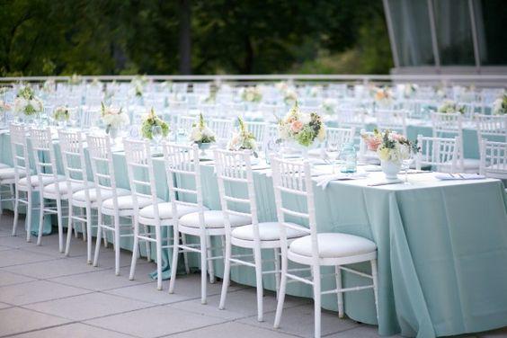 Как выбрать стулья для мероприятия?